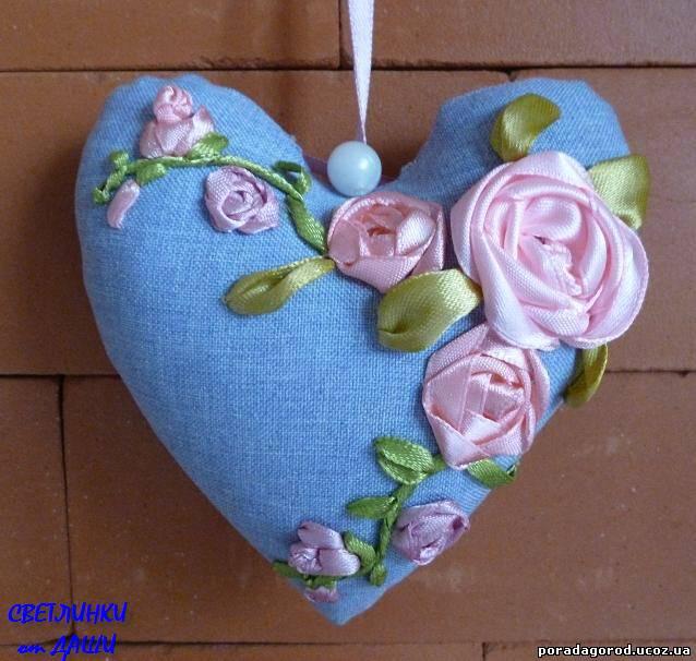 Вишивка стрічками для початківців, троянди – шиємо сердечко, урок 8